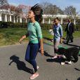 Malia et Sasha Obama pour la traditionnelle chasse aux oeufs de la Maison Blanche, le 1er avril 2013.