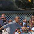 Le président en pleine démonstration de tennis pour la traditionnelle chasse aux oeufs de la Maison Blanche, le 1er avril 2013.