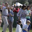Le président Barack Obama en famille pour la traditionnelle chasse aux oeufs de la Maison Blanche, le 1er avril 2013.