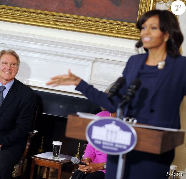 """Harrison Ford sous le charme de Michelle Obama - Présentation du film """"42"""" à la Maison Blanche, à Washington le 2 avril 2013."""