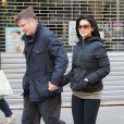 Alec Baldwin, le père d'Ireland Baldwin et sa femme Hilaria Thomas se promènent à New York, le 3 avril 2013, jour de l'anniversaire de l'acteur.