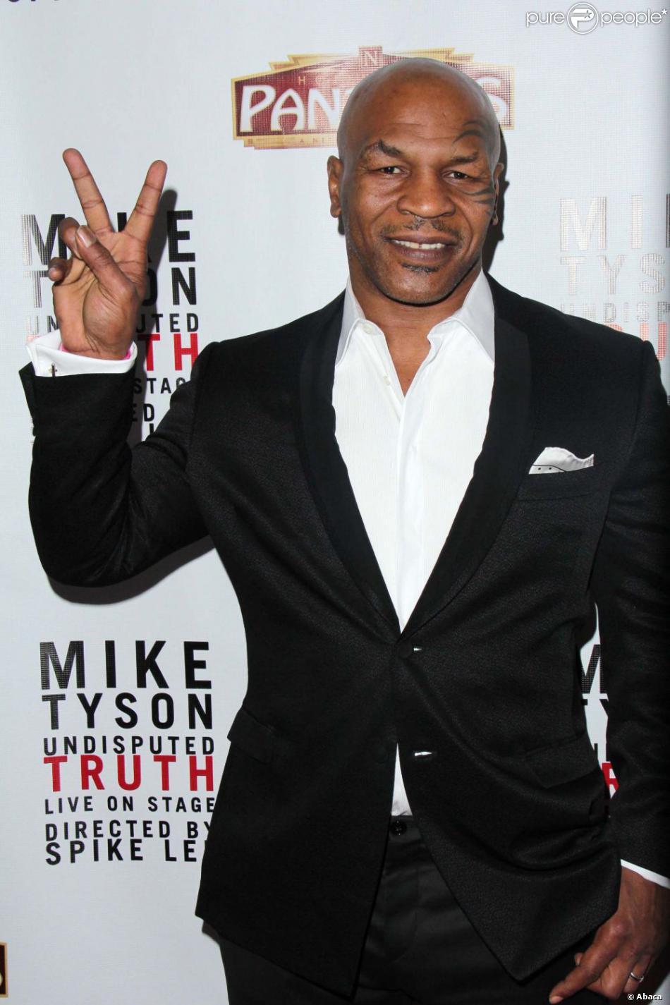 Mike Tyson lors de l'avant-première de son show Mike Tyson: Undisputed Truth le 8 mars 2013 à Hollywood