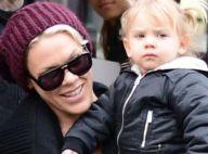Pink : Avant son concert à Bercy, elle profite de Paris avec sa petite Willow !