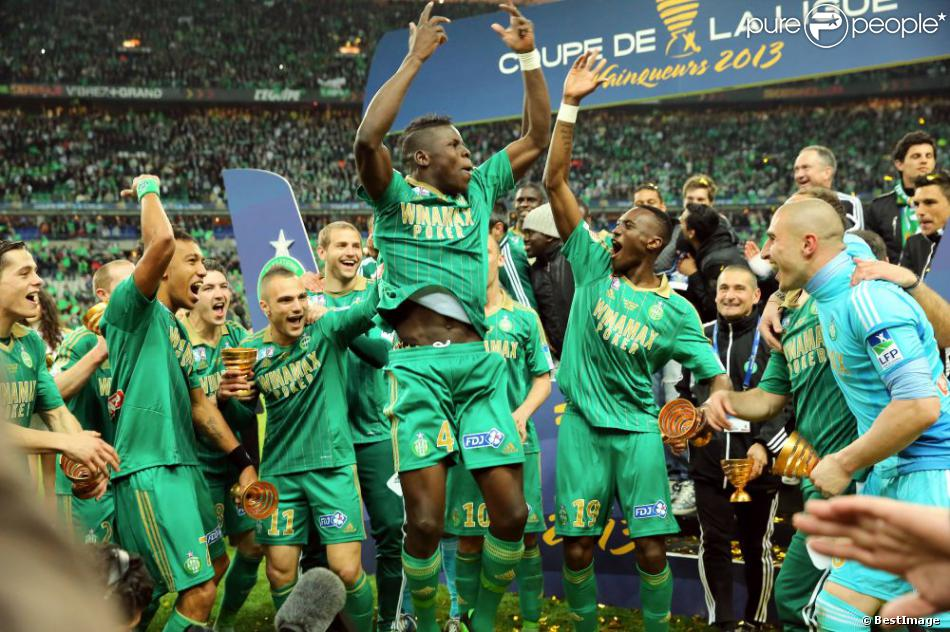 L 39 as saint etienne f te sa victoire en finale de la coupe - Paris saint etienne coupe de la ligue ...