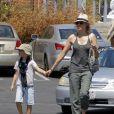 Naomi Watts et Alexander au Kids Earth Day à Los Angeles, le 21 avril 2013.