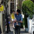 David Beckham et Harper Beckham dans les rues de Notting Hill à Londres. Le 24 avril 2013.