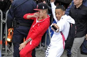Justin Bieber : Déluré dans la rue et fêtard, il fait tomber les filles