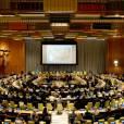 La princesse Mary de Danemark inaugurait avec le secrétaire général des Nations unies Ban Ki-moon les nouveaux locaux du Conseil de tutelle des Nations unies, la chambre Finn Juhl, jeudi 25 avril 2013 au siège de l'ONU à New York.