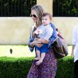 Molly Sims emmène son fils Brooks à la garden party organisée par la marque de couches Huggies, à Los Angeles, le 27 avril 2013.