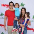 Johnny Knoxville et sa famille à la garden party organisée par la marque de couches Huggies, à Los Angeles, le 27 avril 2013.