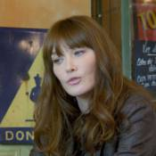 Carla Bruni : Amoureuse et rêveuse dans le clip de ''Mon Raymond''