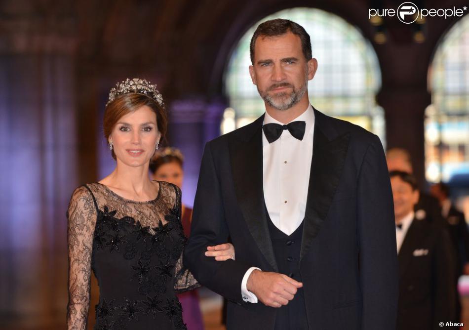 La princesse Letizia et le prince Felipe d'Espagne au Rijksmuseum d'Amsterdam le 29 avril 2013 pour le dîner d'adieu de la reine Beatrix des Pays-Bas, à la veille de son abdication.