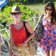 Julianne Hough et Nina Dobrev à l'issue de leur dernière après-midi à la plage à Miami, le 28 avril 2013.