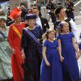 Les princesses Catharina-Amalia (9 ans), Alexia (7 ans) et Ariane (6 ans), filles du roi Willem-Alexander des Pays-Bas et de la reine Maxima, menaient le cortège de la famille royale néerlandaise (suivies notamment de la princesse Beatrix et la princesse Mabel derrière elles) à leur arrivée à la Nouvelle Eglise d'Amsterdam pour la prestation de serment de Willem-Alexander, le 30 avril 2013.