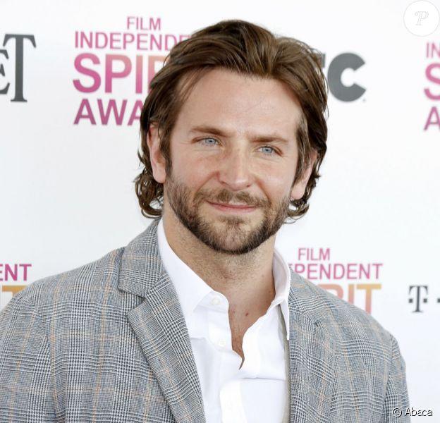 Bradley Cooper lors des Film Independent Spirit Awards à Santa Monica, Los Angeles, le 23 février 2013.