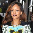 Rihanna porte un t-shirt Mary Katrantzou, un mini-short et des bottes Tom Ford à New York. Le 30 avril 2013.