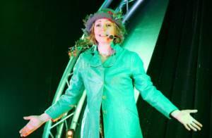 Marie Dauphin : Décalée sur scène pour un spectacle applaudi par Corinne Touzet