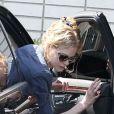Nicole Kidman et Keith Urban emmènent leurs filles, Sunday Rose et Faith, à une fête d'anniversaire à Hollywood, le 4 mai 2013.