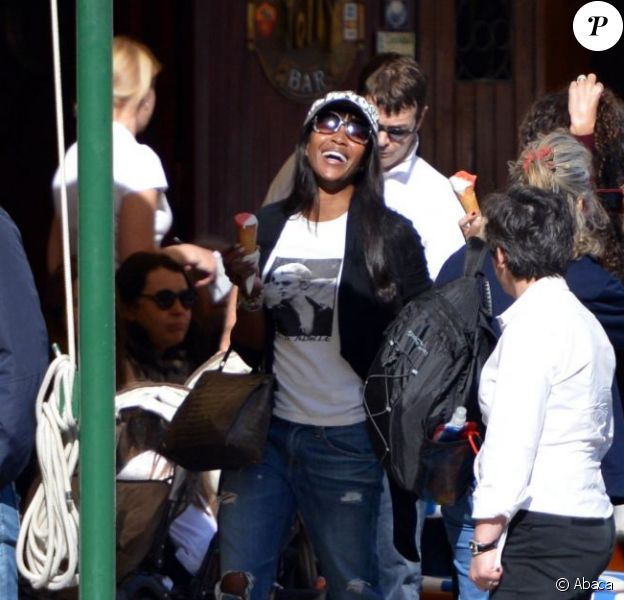 Le top Naomi Campbell avec Afef Jnifen, l'épouse deMarco Tronchetti Provera, à Portofino en Italie, le 4 mai 2013.