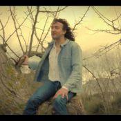 Cali : Perché, il chante ''Venez me chercher'' dans son nouveau clip