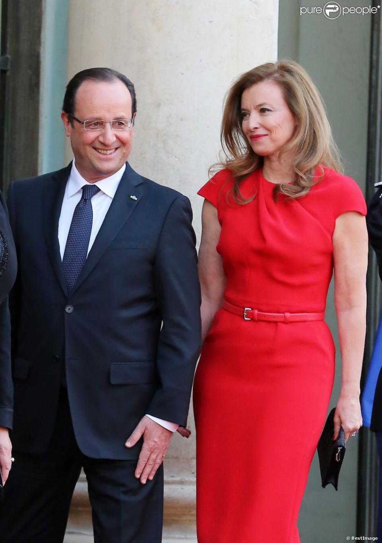 François Hollande et Valérie Trierweilerlors d'un dîner d'Etat au Palais de l'Elysée en l'honneur du président polonais Bronislaw Komorowski, le 7 mai 2013.
