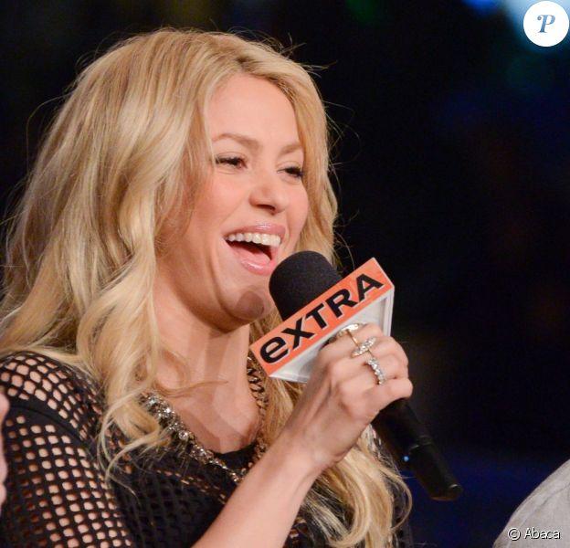 Shakira lors de l'émission Extra sur NBC à Los Angeles, le 6 mai 2013.