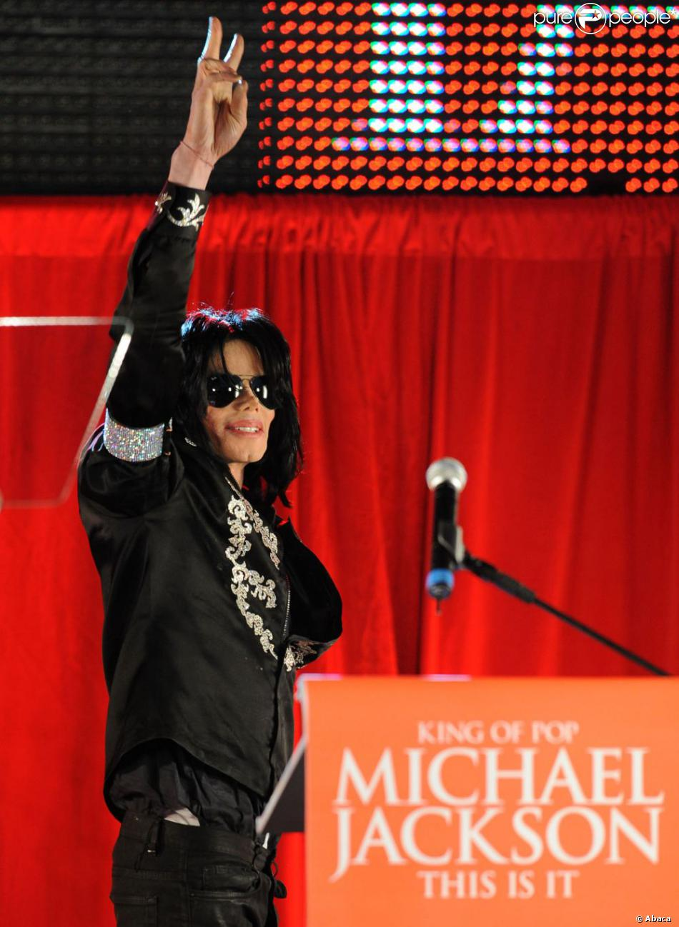 """Michael Jackson annonce la série de concerts """"This Is It"""" lors d'une conférence de presse organisée par AEG Live à Londres, le 5 mars 2009."""