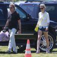 Johnny Hallyday et sa femme Laeticia vont faire du shopping au marché aux puces de Pasadena, le 12 mai 2013.