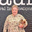 Kathy Bates sur le tapis rouge du Festival International du Film Policier à Beaune, le 4 avril 2013.