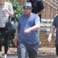 Exclusif - Chaz Bono va déjeuner avec un ami à West Hollywood, le 28 avril 2013.