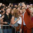 Bradley Cooper avec les fans à la première de Very Bad Trip 3 au Village Theatre à Westwood, Nevada, le 20 mai 2013.