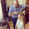 Lauren Parsekian se fait coiffer pour son mariage le 26 mai 2013.