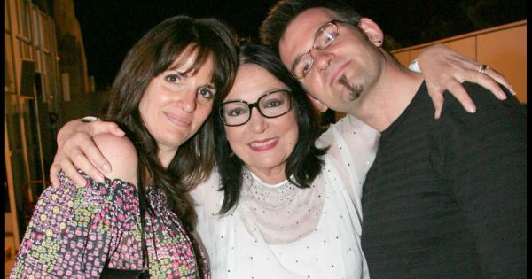 Photo of Nana Mouskouri & her Daughter  Hélène Petsilas