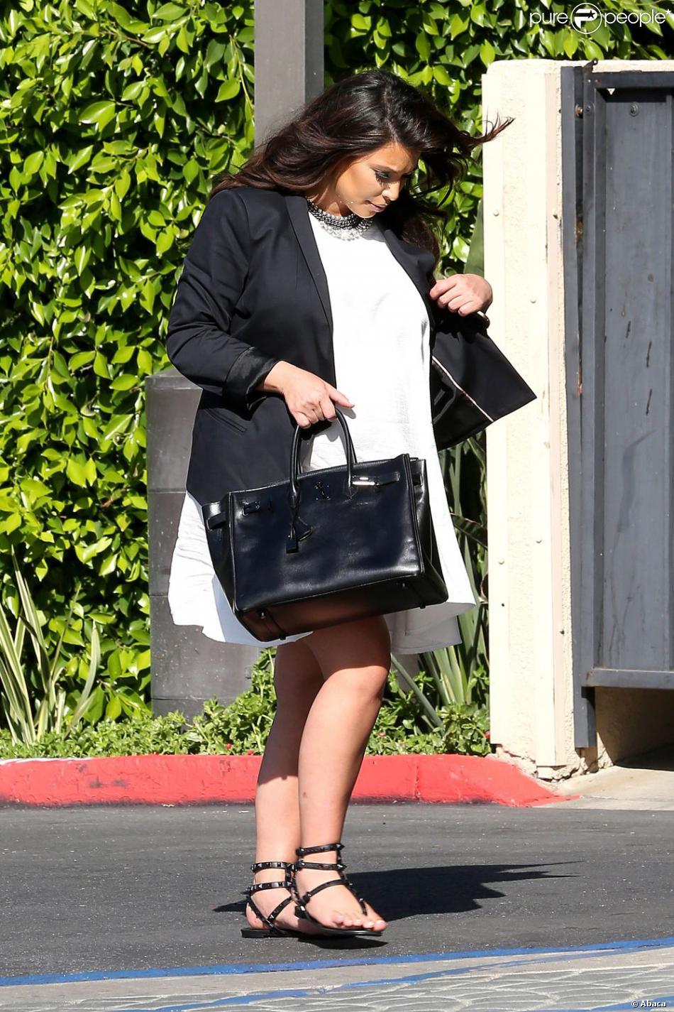 avec porte détendue Angeles et enceinte Los son à Kim Kardashian noir blazer et CqTc80