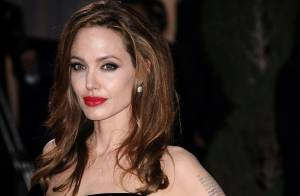 Angelina Jolie : Absente aux funérailles de sa tante morte d'un cancer du sein