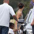 Sandra Bullock et son fils Louis se rendent à l'anniversaire de Willow Hart, la fille de la chanteuse Pink, à Malibu, le 2 juin 2013.