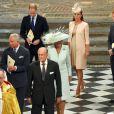 Kate Middleton, en Jenny Packham et avec un chapeau Jane Taylor, avec la famille royale lors du service en l'honneur des 60 ans du couronnement de la reine Elizabeth II, à l'abbaye de Westminster le 4 juin 2013.