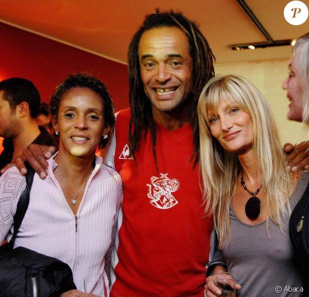 Nathalie Noah, Yannick Noah, sa femme Isabelle Camus et Cécilia Rodhe à Paris le 4 octobre 2007