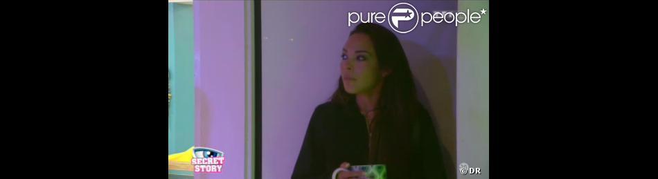 Tara et Anaïs se disputent avant de pleurer chacune de leur côté dans la quotidienne de Secret Story 7, mercredi 12 juin 2013 sur TF1