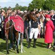 La reine Elizabeth II lors de la Cartier Queen's Cup à Windsor, au Guards Polo Club, dimanche 16 juin 2013.