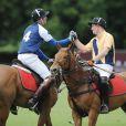 Le prince William et le prince Harry disputaient un match de polo, l'Audi International, dans le Gloucestershire le 16 juin 2013