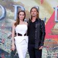 """Angelina Jolie et Brad Pitt à la première du film """"World War Z"""" au Sony Centre à Berlin, le 4 juin 2013."""