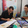 """Exclusif - Le dessinateur Fabien Rypert et Adeline Blondieau présentent leur album """"Les Pochitos"""" au Festival BD de Triel-sur-Seine, le 21 juin 2013."""