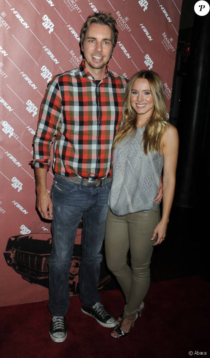 dax shepard et kristen bell lors d 39 une projection de hit and run new york le 25 juillet 2012. Black Bedroom Furniture Sets. Home Design Ideas