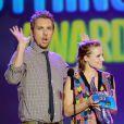 Dax Shepard et Kristen Bell lors des Do Something! Awards à Los Angeles le 19 août 2012