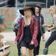 A copier : le look de festival de Sienna Miller à Glastonbury !