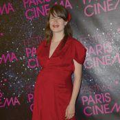 Camille : La chanteuse est enceinte de son deuxième enfant !