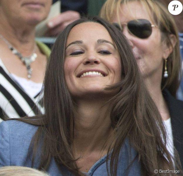 La jolie Pippa Middleton et son frère James ont assisté à un match du tournoi de tennis de Wimbledon à Londres, le 24 Juin 2013.