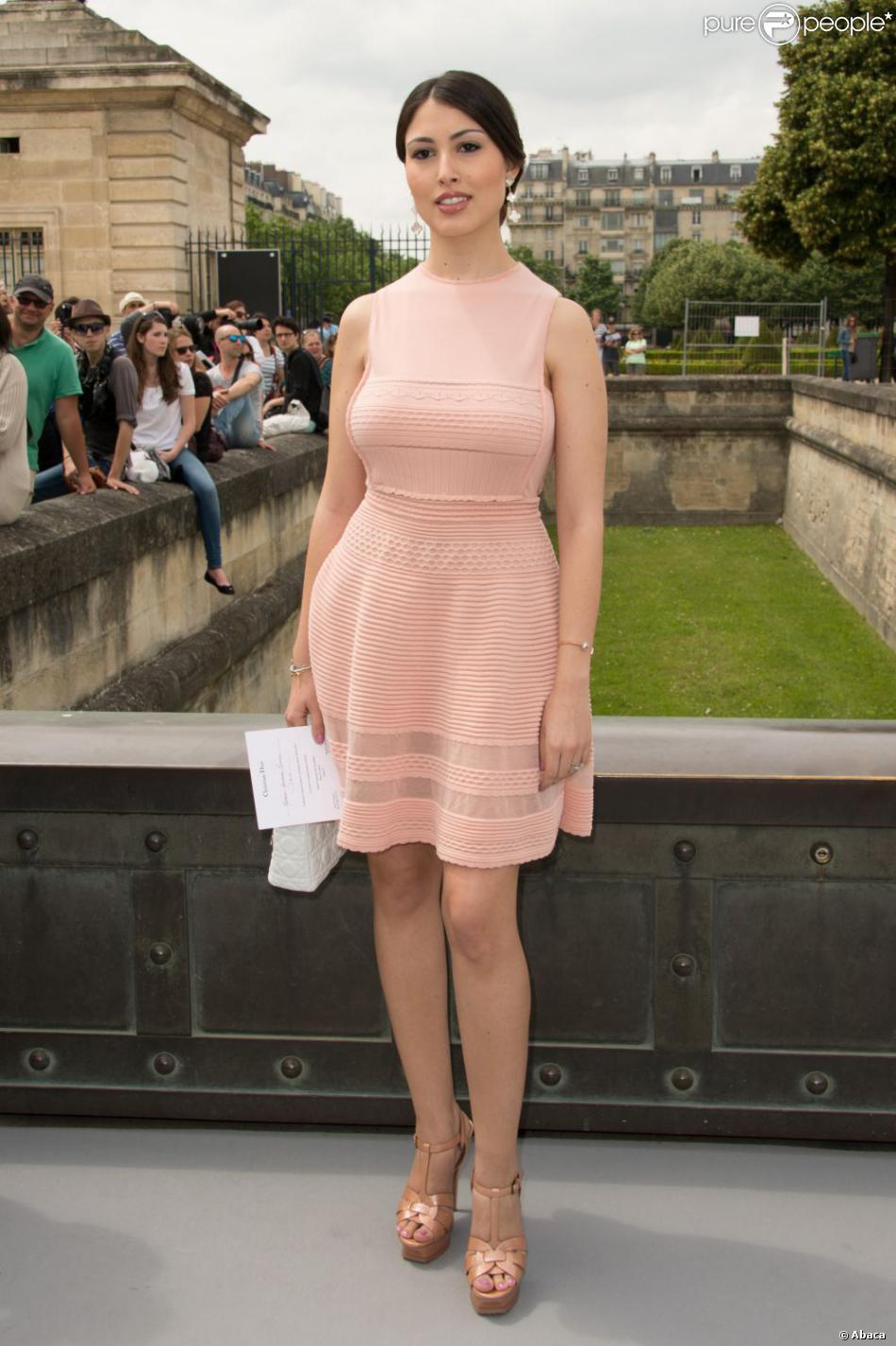 Yasmine Besson arrive au défilé Christian Dior Couture le 1er juillet 2013 à Paris