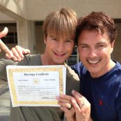 John Barrowman (Desperate Housewives) enfin marié à son compagnon !